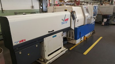 DAEWOO LYNX 220LC CNC UNIVERSAL TURNING CENTER W/ BARFEED