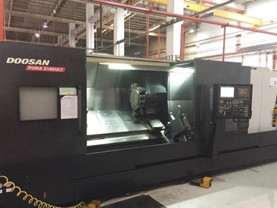 DOOSAN PUMA 3100ULY/3000 CNC UNIVERSAL LATHE WITH MILLING, Y AXIS, & STEADY